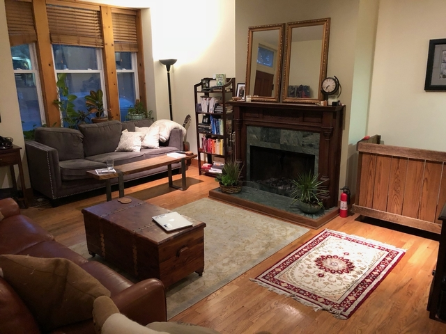 2 Bedrooms, Ranch Triangle Rental in Chicago, IL for $2,295 - Photo 2