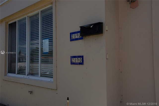2 Bedrooms, Coral Gables Rental in Miami, FL for $2,590 - Photo 2