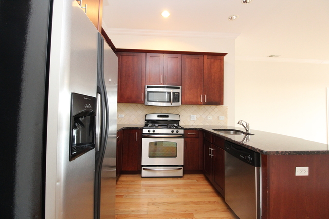3 Bedrooms, Ravenswood Rental in Chicago, IL for $2,039 - Photo 2