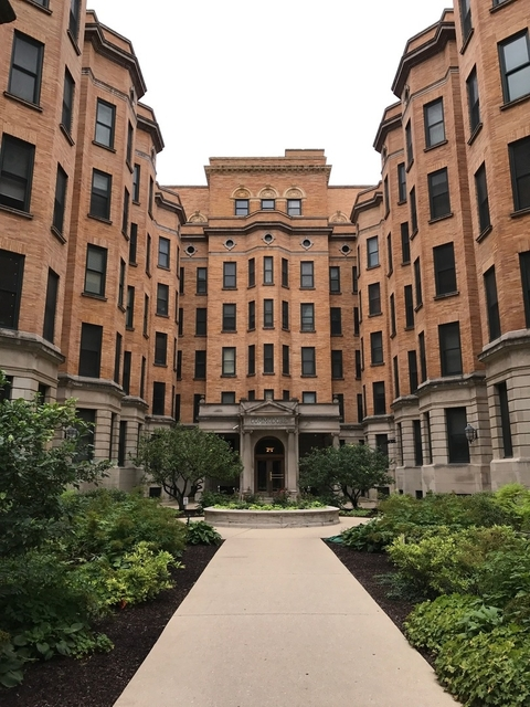 2 Bedrooms, Lake View East Rental in Chicago, IL for $3,595 - Photo 1