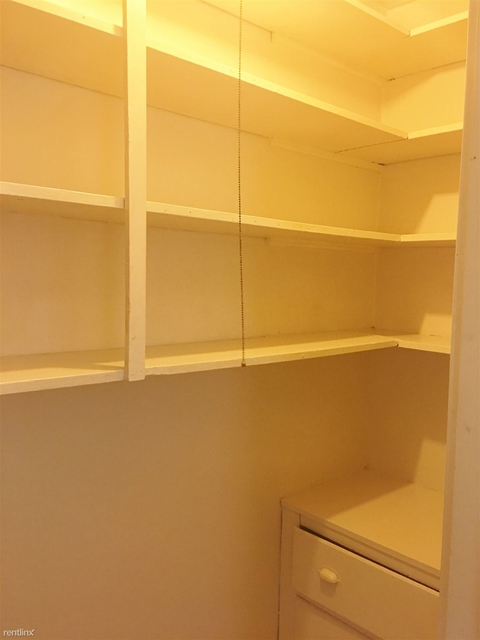 2 Bedrooms, Rogers Park Rental in Chicago, IL for $1,175 - Photo 2