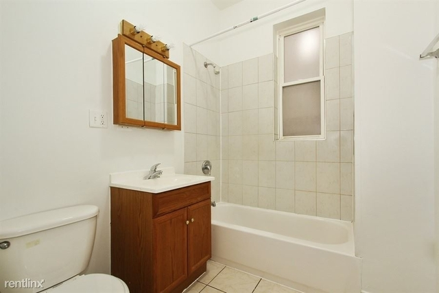 3 Bedrooms, South Chicago Rental in Chicago, IL for $965 - Photo 1