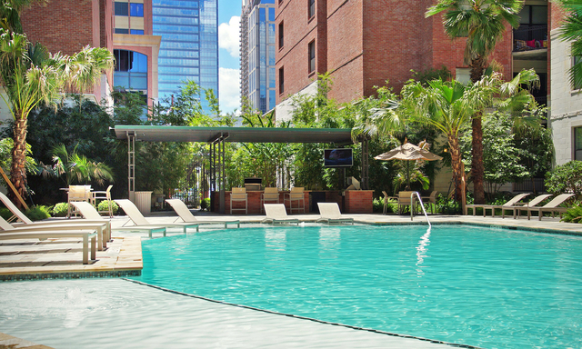 2 Bedrooms, Downtown Houston Rental in Houston for $2,083 - Photo 1