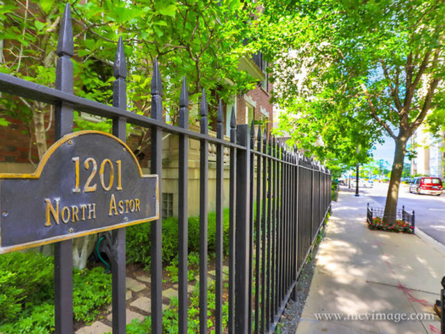 4 Bedrooms, Gold Coast Rental in Chicago, IL for $5,555 - Photo 2