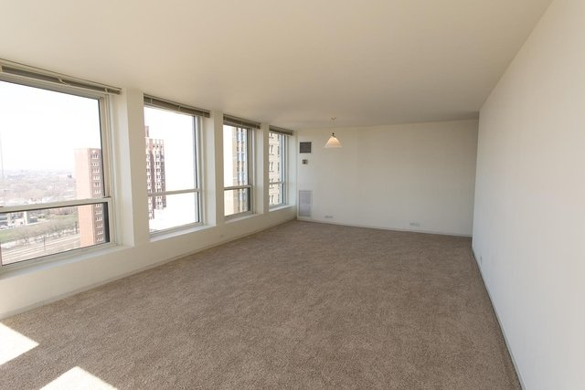2 Bedrooms, East Hyde Park Rental in Chicago, IL for $2,006 - Photo 2
