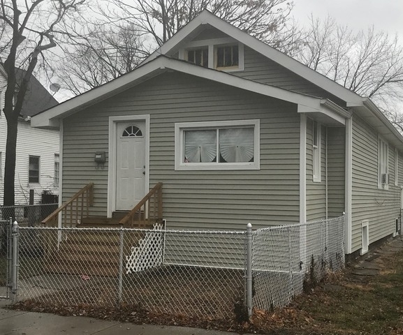3 Bedrooms, Roseland Rental in Chicago, IL for $1,250 - Photo 1