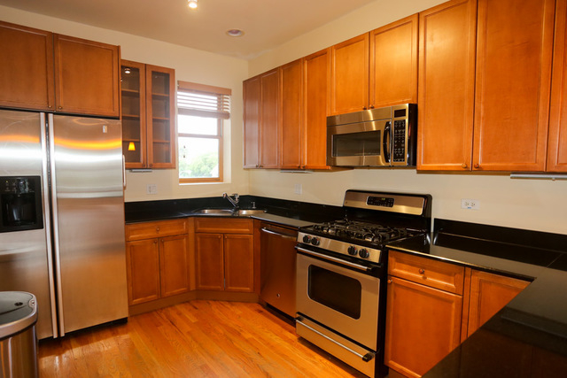 3 Bedrooms, North Kenwood Rental in Chicago, IL for $2,200 - Photo 2