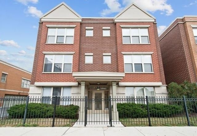 2 Bedrooms, Goose Island Rental in Chicago, IL for $2,200 - Photo 1