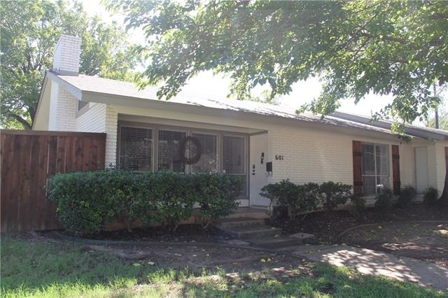 2 Bedrooms, Country Club Heights Rental in Dallas for $1,650 - Photo 1