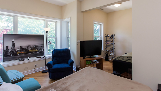 2 Bedrooms, West Town Rental in Chicago, IL for $2,095 - Photo 2