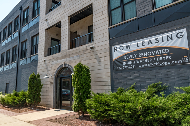 2 Bedrooms, Lathrop Rental in Chicago, IL for $1,960 - Photo 1