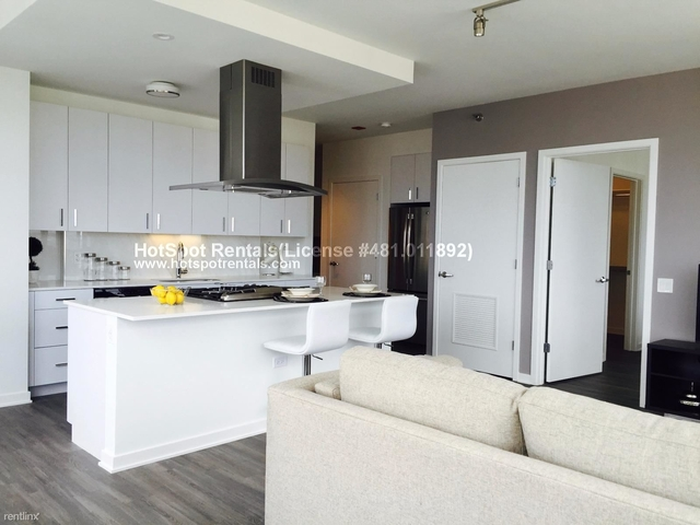 2 Bedrooms, Old Town Rental in Chicago, IL for $4,220 - Photo 2