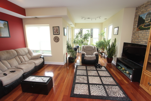2 Bedrooms, Rogers Park Rental in Chicago, IL for $1,600 - Photo 2