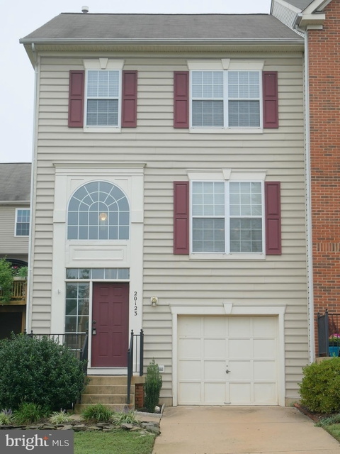 3 Bedrooms, University Center Rental in Washington, DC for $2,300 - Photo 1