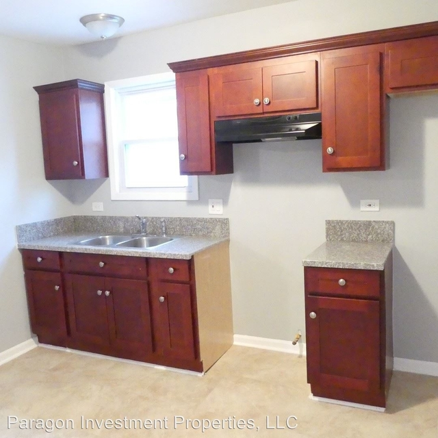 2 Bedrooms, South Chicago Rental in Chicago, IL for $1,150 - Photo 1