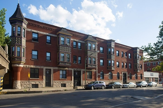 3 Bedrooms, Hyde Park Rental in Chicago, IL for $1,933 - Photo 1