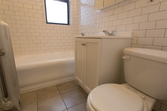 2 Bedrooms, Hyde Park Rental in Chicago, IL for $1,565 - Photo 1