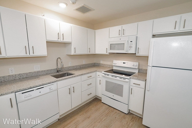 3 Bedrooms, Greenway Rental in Dallas for $1,975 - Photo 1