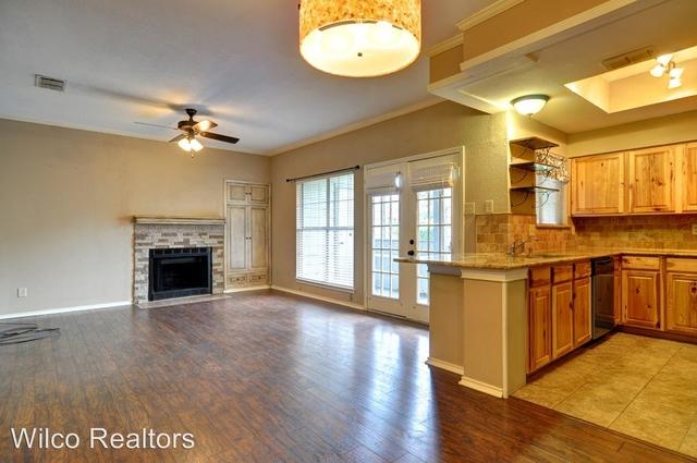 2 Bedrooms, Monticello Park Rental in Dallas for $1,395 - Photo 2