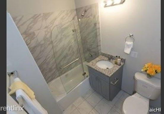 2 Bedrooms, North Kenwood Rental in Chicago, IL for $1,725 - Photo 1