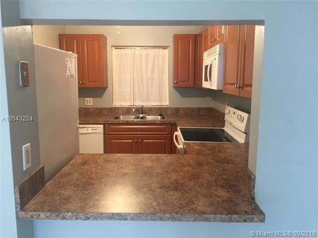 1 Bedroom, Pine Island Ridge Rental in Miami, FL for $1,285 - Photo 1