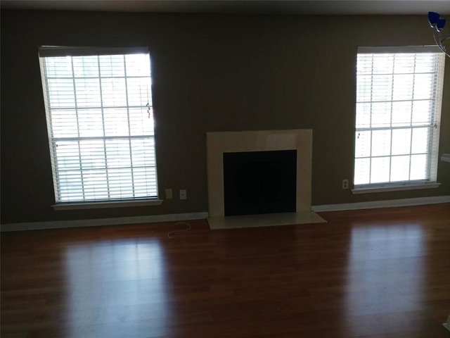 2 Bedrooms, Richmond Manor Condominiums Rental in Houston for $1,150 - Photo 1