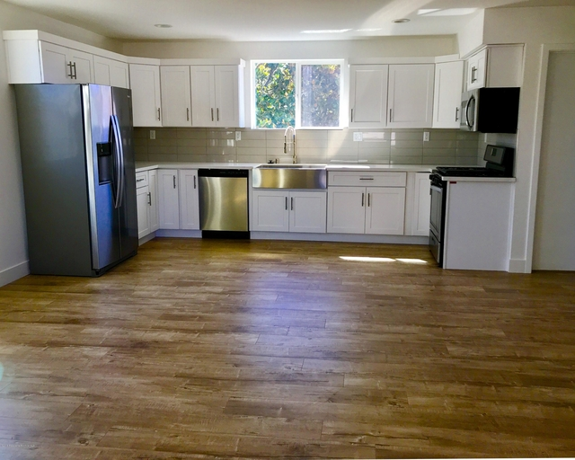 3 Bedrooms, NoHo Arts District Rental in Los Angeles, CA for $3,300 - Photo 2