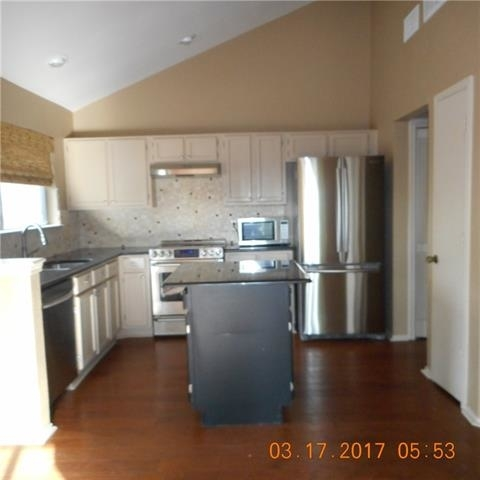 2 Bedrooms, Carlisle Pines Rental in Dallas for $1,450 - Photo 2