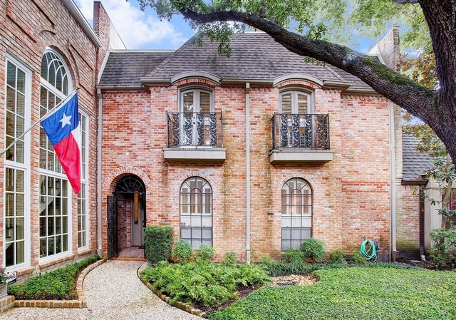 3 Bedrooms, South Post Oak Townhome Rental in Houston for $4,000 - Photo 1