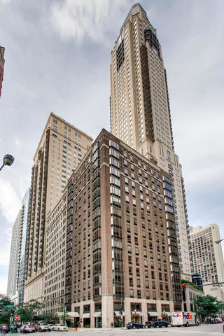 2 Bedrooms, Gold Coast Rental in Chicago, IL for $4,200 - Photo 2