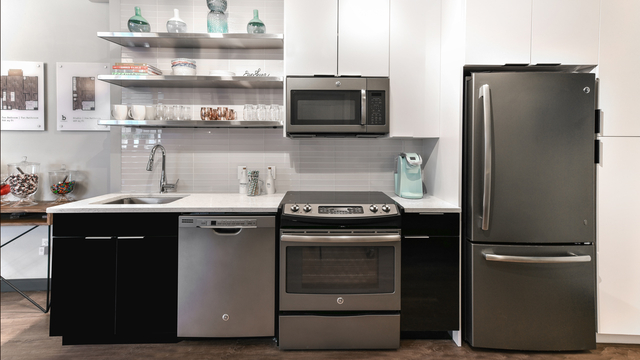 2 Bedrooms, Central Maverick Square - Paris Street Rental in Boston, MA for $3,593 - Photo 2