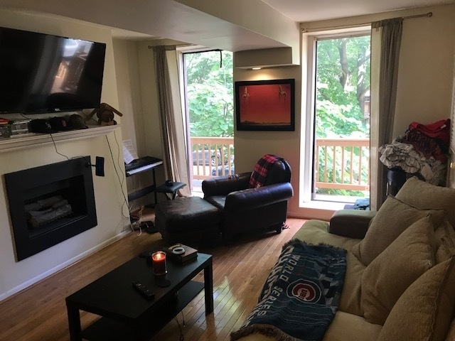 2 Bedrooms, Wrightwood Rental in Chicago, IL for $1,750 - Photo 2