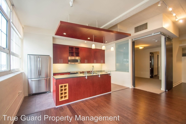2 Bedrooms, Tarrant County Rental in Dallas for $2,200 - Photo 1