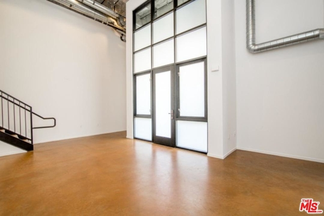 2 Bedrooms, Arts District Rental in Los Angeles, CA for $3,996 - Photo 2