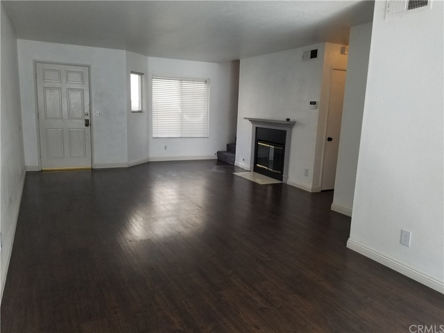 2 Bedrooms, Marceline Rental in Los Angeles, CA for $2,800 - Photo 2