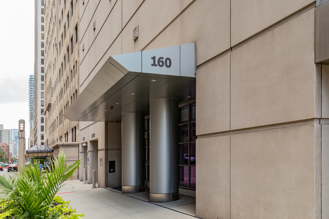 2 Bedrooms, Magnificent Mile Rental in Chicago, IL for $3,500 - Photo 2