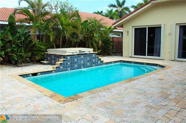 4 Bedrooms, Hollywood Lakes Rental in Miami, FL for $3,895 - Photo 2