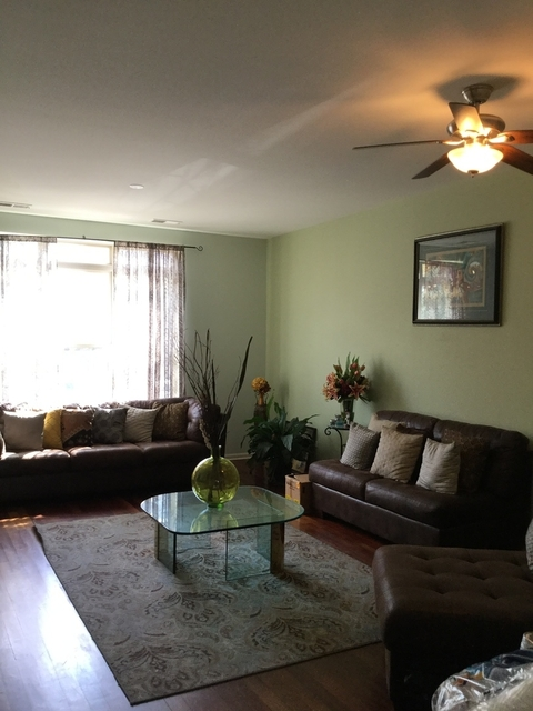 3 Bedrooms, Douglas Rental in Chicago, IL for $2,700 - Photo 2