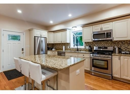 4 Bedrooms, Newton Upper Falls Rental in Boston, MA for $4,000 - Photo 2