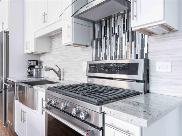 1 Bedroom, South Loop Rental in Chicago, IL for $2,139 - Photo 2
