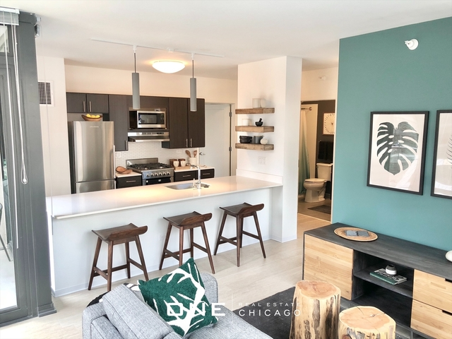 3 Bedrooms, River North Rental in Chicago, IL for $6,500 - Photo 1