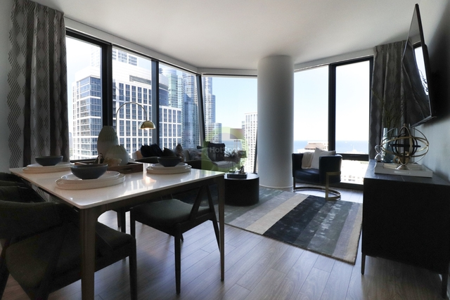 3 Bedrooms, South Loop Rental in Chicago, IL for $5,692 - Photo 2