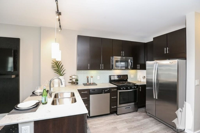 1 Bedroom, West Loop Rental in Chicago, IL for $2,864 - Photo 2