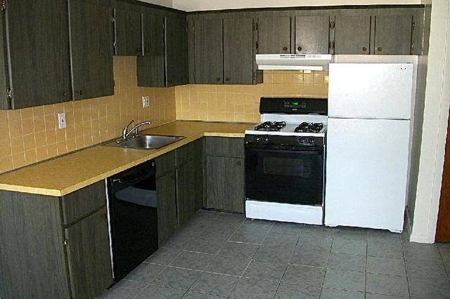 2 Bedrooms, South Quincy Rental in Boston, MA for $1,695 - Photo 1