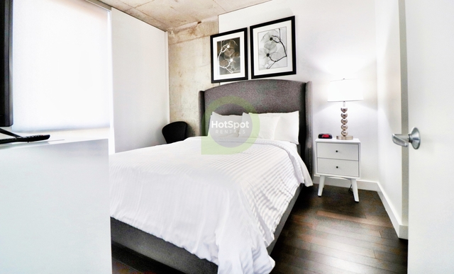 1 Bedroom, River North Rental in Chicago, IL for $2,420 - Photo 2