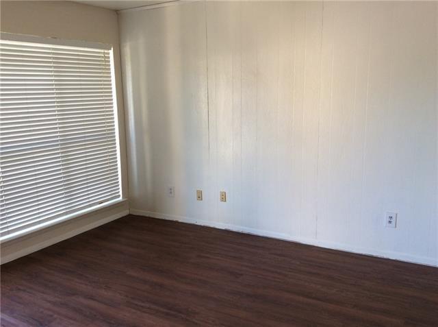 1 Bedroom, North Oaklawn Rental in Dallas for $725 - Photo 2