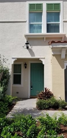 3 Bedrooms, Sawgrass Lakes Rental in Miami, FL for $3,200 - Photo 2
