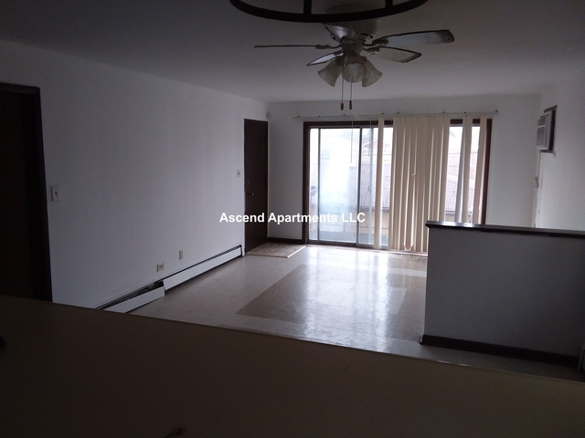 3 Bedrooms, Calumet City Rental in Chicago, IL for $1,300 - Photo 2