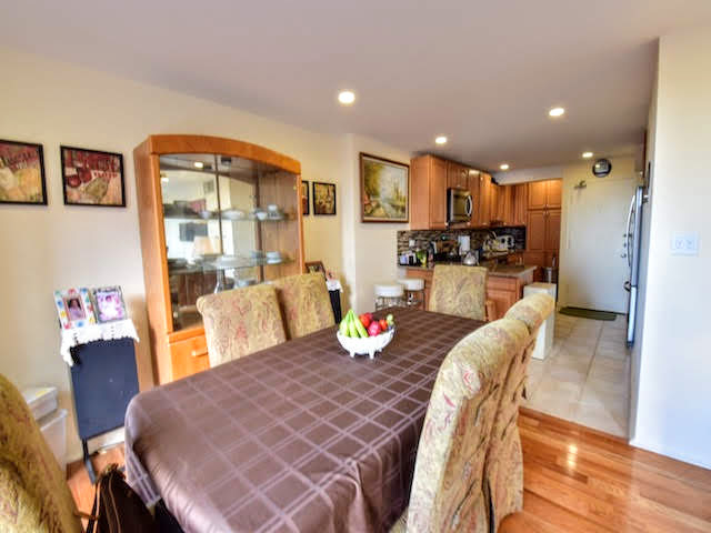 2 Bedrooms, Gold Coast Rental in Chicago, IL for $2,400 - Photo 2