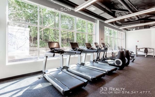 1 Bedroom, Evanston Rental in Chicago, IL for $2,100 - Photo 2